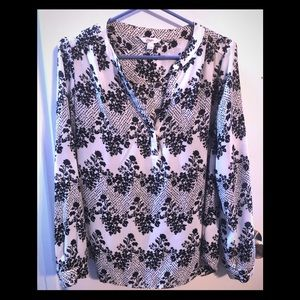 🍁3/$25🍁 Candies black and white damask blouse